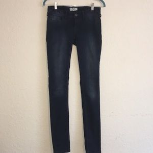 Free People Skinny Jeans Fit Dark Rinse. Size 25.